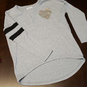 ☔4/$10☔Awesome heart shirt